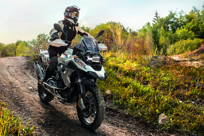How to differentiate the various types of motorcycle tires