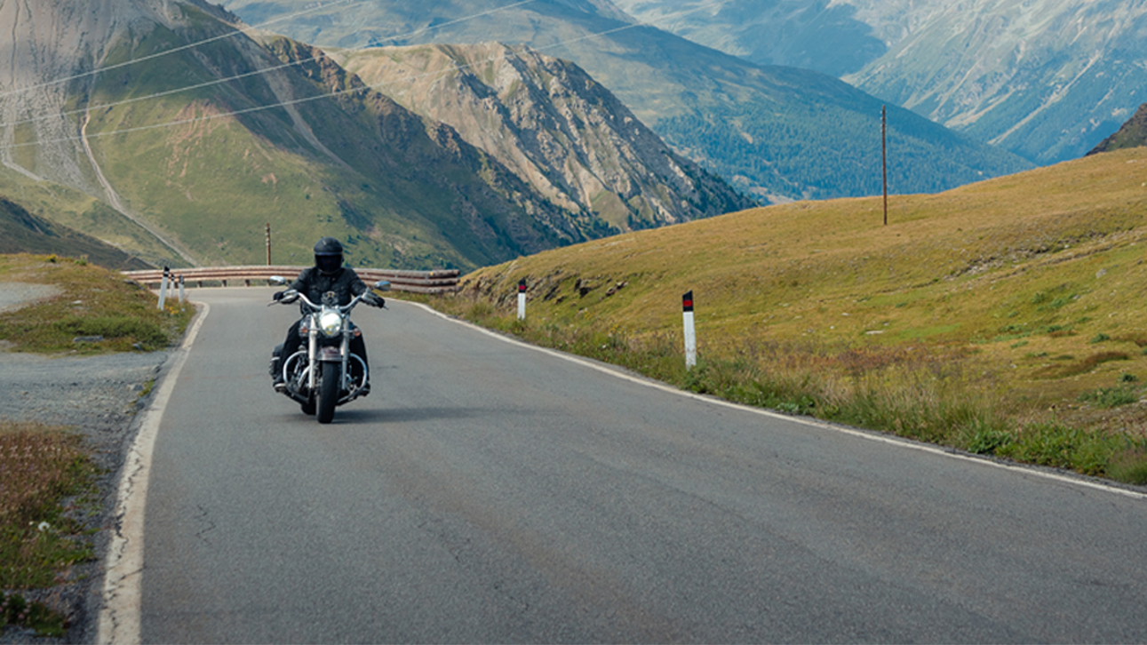 The best motorcycle tires to go on holiday